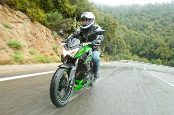 Z-series ra mắt xe mới Kawasaki Z300