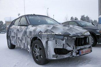 SUV Maserati Levante chạy thử trên đường tuyết
