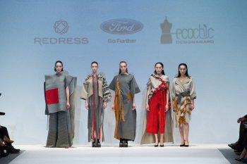 Từ vải bọc ghế xe Ford đến trang phục thời trang cao cấp
