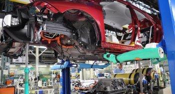 Sản xuất xe của Toyota đình trệ do thiếu thép