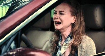 """Người Mỹ """"vừa lái ô tô vừa khóc"""""""