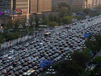 Các hãng xe lo lắng Trung Quốc áp dụng tiêu chuẩn lỗi thời