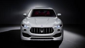 SUV Maserati Levante lộ diện trước ngày ra mắt