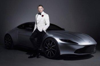 """Siêu xe """"007"""" cực hiếm Aston Martin DB10 được rao bán"""