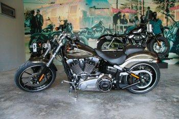 Harley tung mô tô PKL cho người chơi sành điệu tại Sài Gòn
