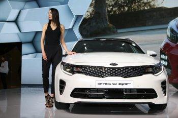 Kia Optima gợi cảm hơn trong bộ cánh Sportswagon