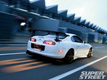 Choáng với màn tăng tốc 386 km/h của Toyota Supra
