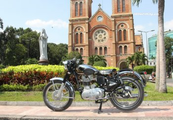 Mô tô Anh Quốc Royal Enfield quyến rũ chào Sài Gòn