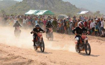 Phấn khích với giải đua xe cào cào Tanyoli Cup 2016