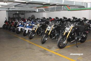 """Ngắm loạt xe mô tô BMW """"khủng"""" vừa khui thùng tại Sài Gòn"""
