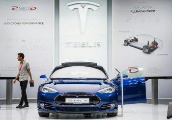 Tesla chuẩn bị cho cuộc chiến liên bang để bán xe trực tiếp
