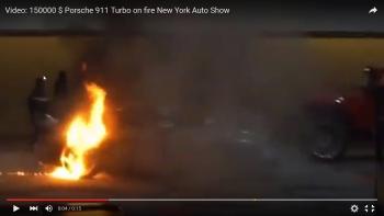 Xe Porsche bốc cháy dữ dội tại triển lãm ô tô New York