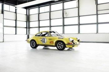 Porsche hồi sinh mẫu xe đua huyền thoại 911 2.5 S/T