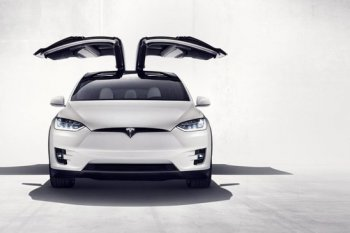 Hàng ghế thứ ba của Tesla Model X không an toàn