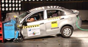 Hai mẫu xe của GM nhận đánh giá an toàn 0 sao