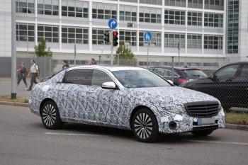 Phiên bản trục cơ sở kéo dài của Mercedes-Benz E-Class chuẩn bị xuất hiện