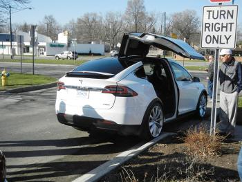 Ford, Audi nóng lòng muốn kiểm tra Tesla Model X