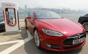 Xe điện Tesla gây ô nhiễm hơn xe chạy xăng