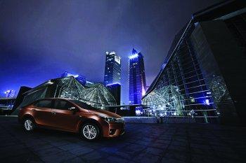 Toyota Corolla Altis 2016 thêm tiện nghi – giá không đổi