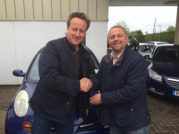 Thủ tướng Anh mua xe gì cho phu nhân của mình ?