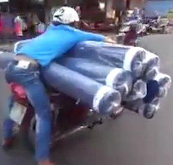 """""""Shipper"""" Việt Nam được báo Tây ngưỡng mộ"""