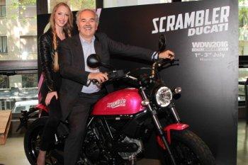 """Ducati bất ngờ ra mắt Scrambler Sixty2 """" khoác cánh hồng"""""""