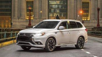 Mitsubishi Outlander bị hack, lo ngại mới về tin tặc trên xe hơi