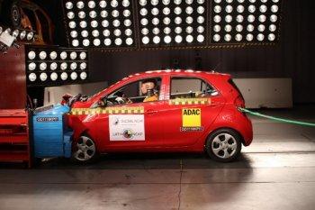 Kia Morning và Peugeot 208 gây thất vọng về độ an toàn