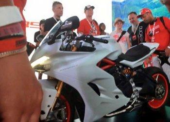 Ducati 939 Panigale bắt đầu lộ diện