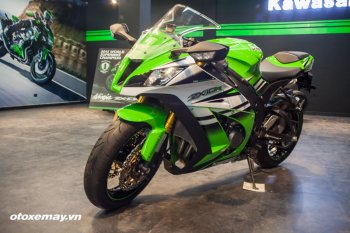 Kawasaki ZX-10R: thể thao và tốc độ