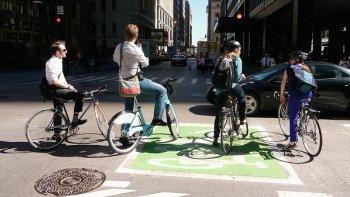 Làm đường cho xe đạp khuyến khích người dân bỏ xe hơi