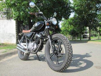 Thú vị nakedbike Suzuki EN 150 độ Tracker tại Sài Gòn