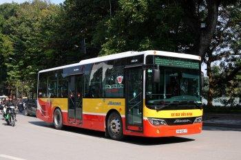 Hà Nội muốn giảm tải giao thông bằng xe bus 2 tầng