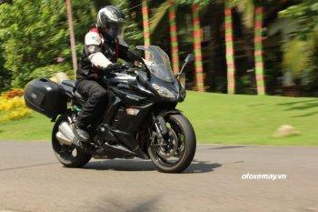 Lái thử bộ sưu tập mô tô Kawasaki cuối tuần tại Sài Gòn