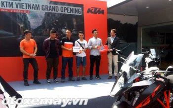 Xe máy KTM chính hãng Áo đã khai trương tại Hà Nội