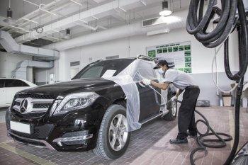 Mercedes-Benz Việt Nam chính thức trao giấy chứng nhận cho trung tâm đồng sơn của Vietnam Star