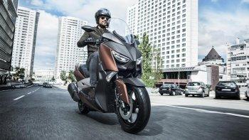 Yamaha X-Max 300 2017: Nhanh nhẹn và hiệu quả hơn