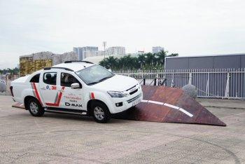 Người Sài Gòn có cơ hội lái Isuzu mu-X và D-MAX trong chương trình quy mô