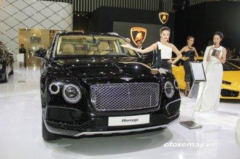 """VIMS 2016: Bentayga """"nổi trội"""" trong gian trưng bày của Bentley"""