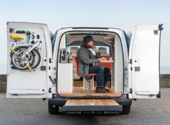 Nissan đưa văn phòng làm việc lên 4 bánh xe