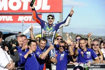 Chặng 18 MotoGP: Lorenzo chia tay Yamaha bằng một chiến thắng chặng
