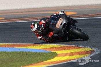 Lorenzo, Iannone ra mắt đội đua mới