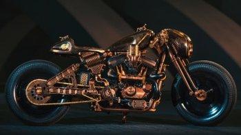 """Hard Rock Café Racer Harley Davidson """"phá đảo"""" Kraków"""