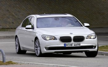 BMW và Rolls-Royce triệu hồi xe lỗi toàn thế giới