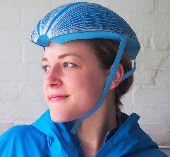 Độc đáo mũ bảo hiểm xe đạp làm từ…giấy tái chế