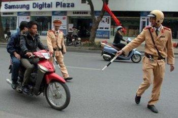 Hà Nội dùng thiết bị thông minh kiểm tra xe chính chủ