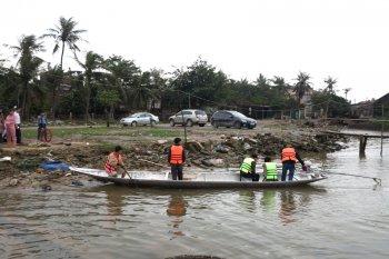 Toyota Việt Nam tiếp tục hỗ trợ đồng báo vùng lũ