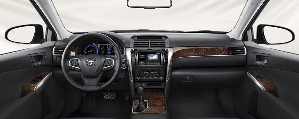 Toyota Camry đời mới 2016 ra mắt với giá giảm