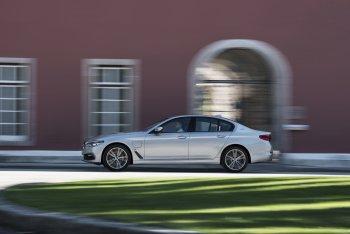 BMW 530e iPerformance 2018 chính thức ra mắt