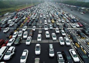 """Xe điện, xe plug-in hybrid """"gặp khó"""" tại Trung Quốc sau bê bối gian lận"""